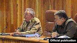 Raúl Castro y Marino Murillo.