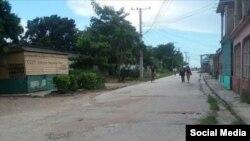 """Mariño publicó esta foto con la siguiente descripción: """"En esta calle de la ciudad de Camagüey, a las 11 de la noche del 10 de octubre, fue asesinada Dayani Martínez Matos""""."""