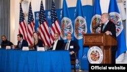 Encuentro en la OEA sobre libertad artística en Cuba.