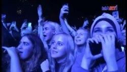Músicos rusos realizan concierto protesta
