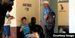 Baños públicos en La Habana.