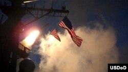 Disparando desde el USS Stout