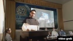 """Lester Zayas Díaz, director de """"Sapere Aude"""" y rector del centro de estudios de los dominicos cubanos de La Habana, en la presentación de la revista."""