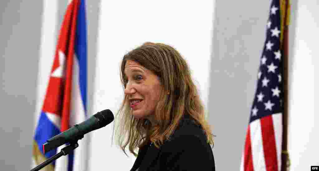 La secretaria de Salud y Servicios de EEUU, Sylvia Burwell en La Habana