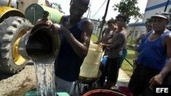 El cólera se transmite por aguas o alimentos contaminados.