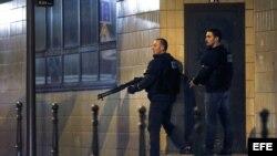 Los ataques, que ocurrieron en seis puntos diferentes de París, dejaron más de un centenar de muertos. EFE