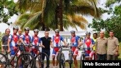 El equipo nacional de Cuba, integrado por Olga Echenique, Danay Martínez, José Mojica, Álvaro Soca, Yasmani Balmaceda y César Rodríguez.