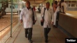 Los médicos cubanos secuestrados en Kenia, Assel Herrera y Landy Rodríguez. (Twitter)