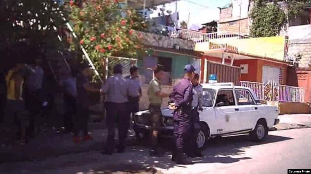 Resultado de imagem para Detenidos en Cuba por la visita de Mogherini