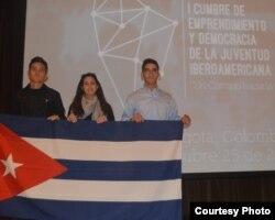 Doniet Vélez, Tahiri Rivero y Ernesto Oliva, los tres cubanos que asistieron a la cumbre.