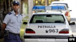 Fotografía de archivo de un policía cubano.