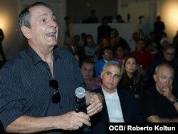Enrique García, exfuncionario de la Inteligencia Cubana en el Festival Vista, en el Museo Americano de la Diáspora Cubana