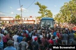 El pueblo pinareño recibió con alegría la llegada de los campeones de la Serie del Caribe 2015.