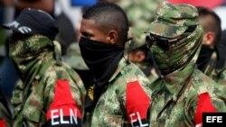 Miembros desmovilizados del Frente de Guerra Suroccidental del ELN.