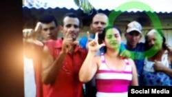 Yandier García Labrada junto a otros miembros del MCL. (Facebook/Movimiento Cristiano Liberación)