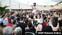 Cierra la Calle 8 y cientos de cubanos exigen libertad para los detenidos del Movimiento San Isidro en Cuba