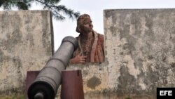 Estatua de Cristóbal Colón ubicada en los alrededores del fuerte Matachín, en la ciudad de Baracoa, provincia de Guantánamo, Cuba.