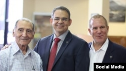Manuel Villamañan, Presidente South Motors Group, Oliver Mayoral, GM South Motors Infiniti y Jonathan Chariff, CEO South Motors Group.