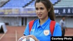 Presidenta de equipo de balompie de Laos