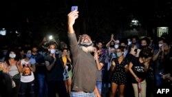 Manifestación de artistas cubanos frente al Ministerio de Cultura el 27 de noviembre 2020 en apoyo al Movimiento San Isidro.
