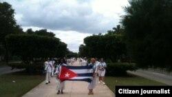 Damas de Blanco dedican la marcha a Orlando Zapata y Hermanos al Rescate #TodosMarchamos Foto Angel Moya