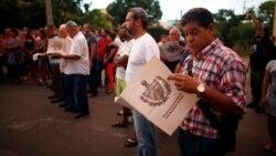 Opositores logran participar en debates de proyecto constitucional