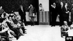 El 11 de diciembre de 1964, el ministro de Industria cubano, Ernesto 'Che' Guevara, fumaba un puro durante el discurso de Adlai Stevenson, embajador de Estados Unidos ante la Organización de la Naciones Unidas, ONU.