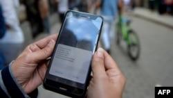 Cuba lanza servicio de conexión a internet por datos móviles.