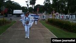 Marcha domingo 20 de diciembre Reporta Cuba Foto Angel Moya