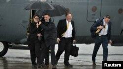 Secretario de Estado Mike Pompeo y su esposa Susan a su arribo a Arbil, Irak.
