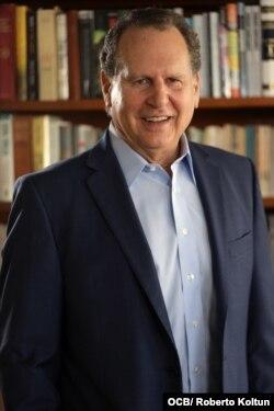 El cubanoamericano Lincoln Díaz-Balart sirvió 18 años en la Cámara de Representantes de EE.UU.