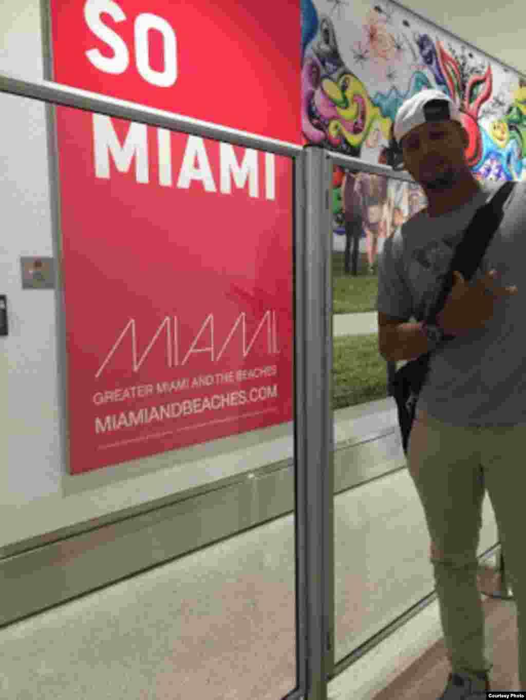 Yulieski Gourriel en Miami. Una foto proporcionada por el sitio SwingCompleto.