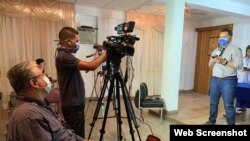 Periodista venezolano de VPI en rueda de prensa. Caracas, Venezuela, 03/16/20 Foto: VOA