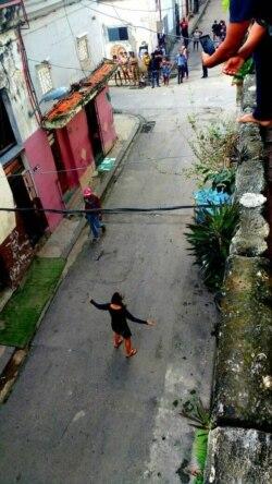 Iliana Hernández reclama a la Seguridad del Estado por el arresto de su madre cuando iba a visitarla a sede del Movimiento San Isidro. (Facebook)