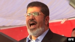 El expresidente egipcio Mohamed Morsi en una de sus intervenciones en la plaza Tahrir en 2012.