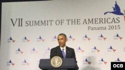 Barack Obama en conferencia de prensa en la Cumbre Panamá 2015.