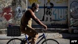 Reportan 15 nuevos casos de coronavirus en La Habana. (YAMIL LAGE / AFP)