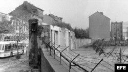 El muro de Berlín en la calle Bernauer en Berlín, Alemania