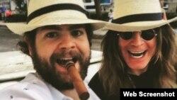 Ozzy Osbourne y su hijo en La Habana.