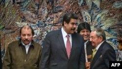 De izquierda a derecha: Daniel Ortega, Nicolás Maduro, Evo Morales y Raúl Castro.