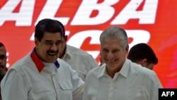 Nicolás Maduro y Miguel Díaz-Canel en La Habana en diciembre del 2019 (Yamil Lage / AFP).
