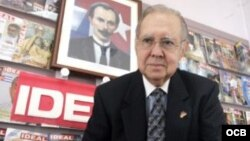 Lorenzo de Toro director revista IDEAL