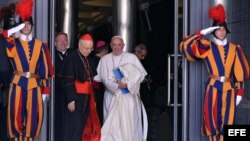 Papa Francisco acude al Sínodo de Obispos este 23 de octubre.
