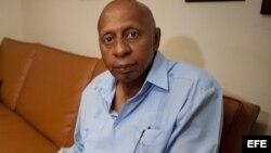 Madre de Guillermo Fariñas informa situación del disidente liberado anoche
