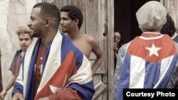 Movimiento San Isidro en acción de protesta en La Habana Vieja (Tomado de Facebook/Anamely Ramos González).