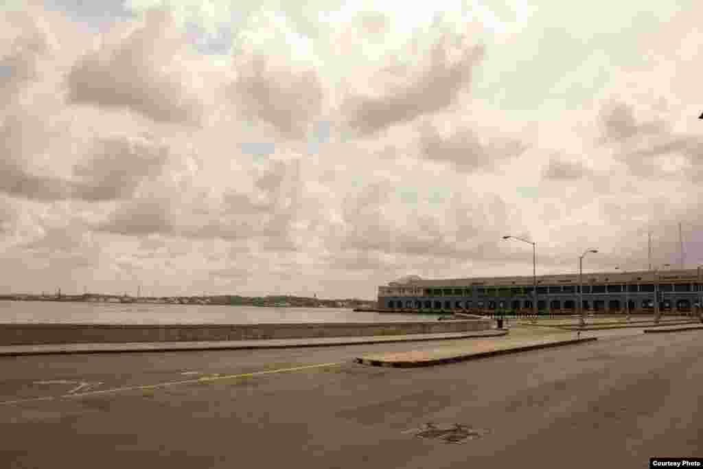 La Habana Vieja, a la espera de Obama, a las 3:00 p.m. del 20 de marzo.