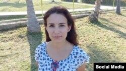 Isel Arango, editora de la revista La Hora de Cuba. Tomado de La Hora de Cuba.