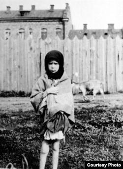 Holodomor en Ucrania, infantes en las calles.