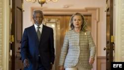 Hillary Clinton y Kofi Annan