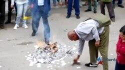 Oficialistas queman declaración de DDHH en La Habana